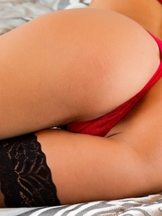 Sylvie Delux  gapes again - Sexy Women in Lingerie - Picture 3