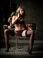 Betty in black lingerie - Sexy Women in Lingerie - Picture 5