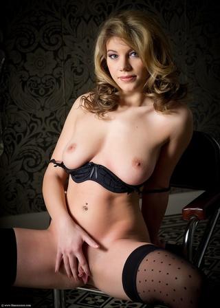 betty black lingerie