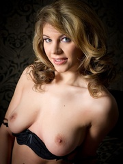 Betty in black lingerie - Sexy Women in Lingerie - Picture 11