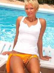 Kayla and her sexy tan by the pool - Sexy Women in Lingerie - Picture 4