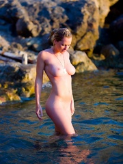 Jenna in cold water. - Sexy Women in Lingerie - Picture 7