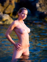 Jenna in cold water. - Sexy Women in Lingerie - Picture 8