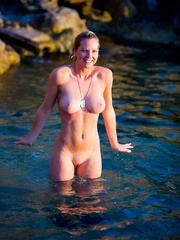 Jenna in cold water. - Sexy Women in Lingerie - Picture 11