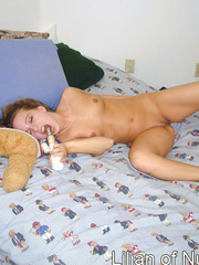Naughty teen on bed sticks a finger - Sexy Women in Lingerie - Picture 4