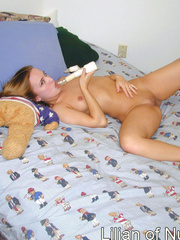 Cute teen finger fucks her pussy on - Sexy Women in Lingerie - Picture 9