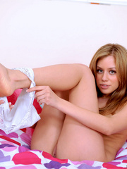Alluring teen Summersilver peels - Sexy Women in Lingerie - Picture 3