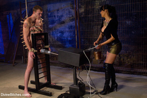 Perverted high heeled mistress dominatin - XXX Dessert - Picture 3
