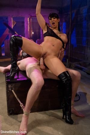 Perverted high heeled mistress dominatin - XXX Dessert - Picture 7