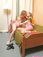 Smutty housewife calls up her lesbian - XXX Dessert - Picture 6