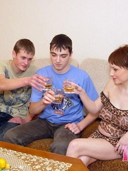2 friends visiting their pregnant neighbour - XXX Dessert - Picture 5