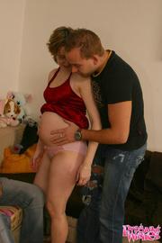 happy pregnant chick foursome