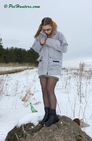 Spying on peeing teen - XXXonXXX - Pic 3