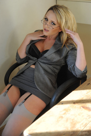 The sexiest teacher Miss Hannah in tight - XXX Dessert - Picture 3