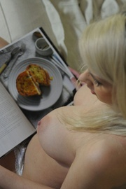 Stunning busty blonde Miss Holli taking off all her clothes because of.. - picture 6