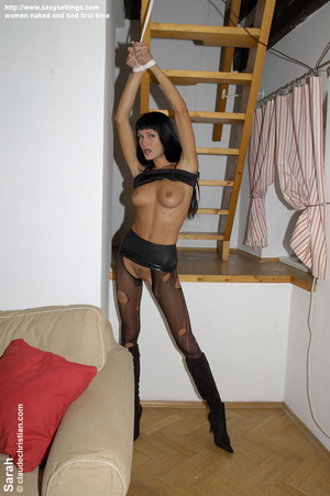 Small tits Susanna gets roped i nthe bat - XXX Dessert - Picture 2