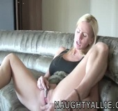 Real Wife Does Her Cunt With A Glass Toy