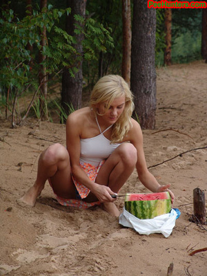Blonde teen pissing in the beach - XXXonXXX - Pic 5