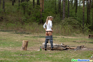 Girl goes to the woods to piss and smoke a cig - XXXonXXX - Pic 10