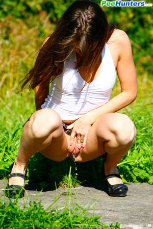 Voyeur busts a gorgeous leggy college girl peeing - XXXonXXX - Pic 6
