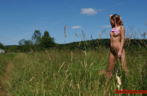 Beautiful teen peeing on the field - XXXonXXX - Pic 10