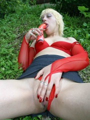 Mature blonde mom undressing outdoors and playing - XXXonXXX - Pic 7