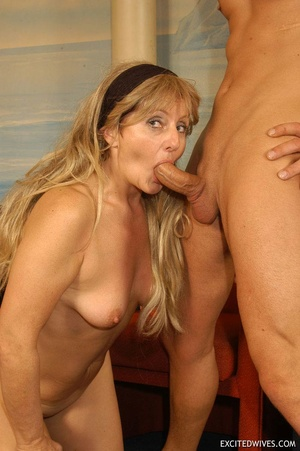 Plump mature grannies willingly taking a part in dirty orgy party. Tags: Gangbang, boobs, homemade, mature porn. - XXXonXXX - Pic 7