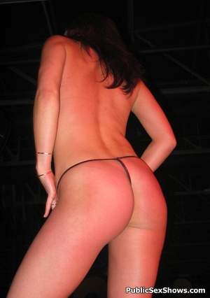 Awesome sexy shaped xxx show girls willinly showing all they got. Tags: Titties, sexy butt, reality, public. - XXXonXXX - Pic 11