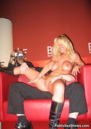 Busty blonde stunner gives an awesome lapdance to lucjy dude. Tags: Naked girl, reality, big tits. - XXXonXXX - Pic 3