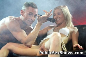 Sexy shaped blonde chick gets her shaved pussy licked by horny guy. Tags: Big tits, pussy licking, reality, public. - XXXonXXX - Pic 8