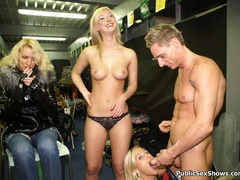 Two sexy blonde chicks pleasing lucky guy on a - XXXonXXX - Pic 6