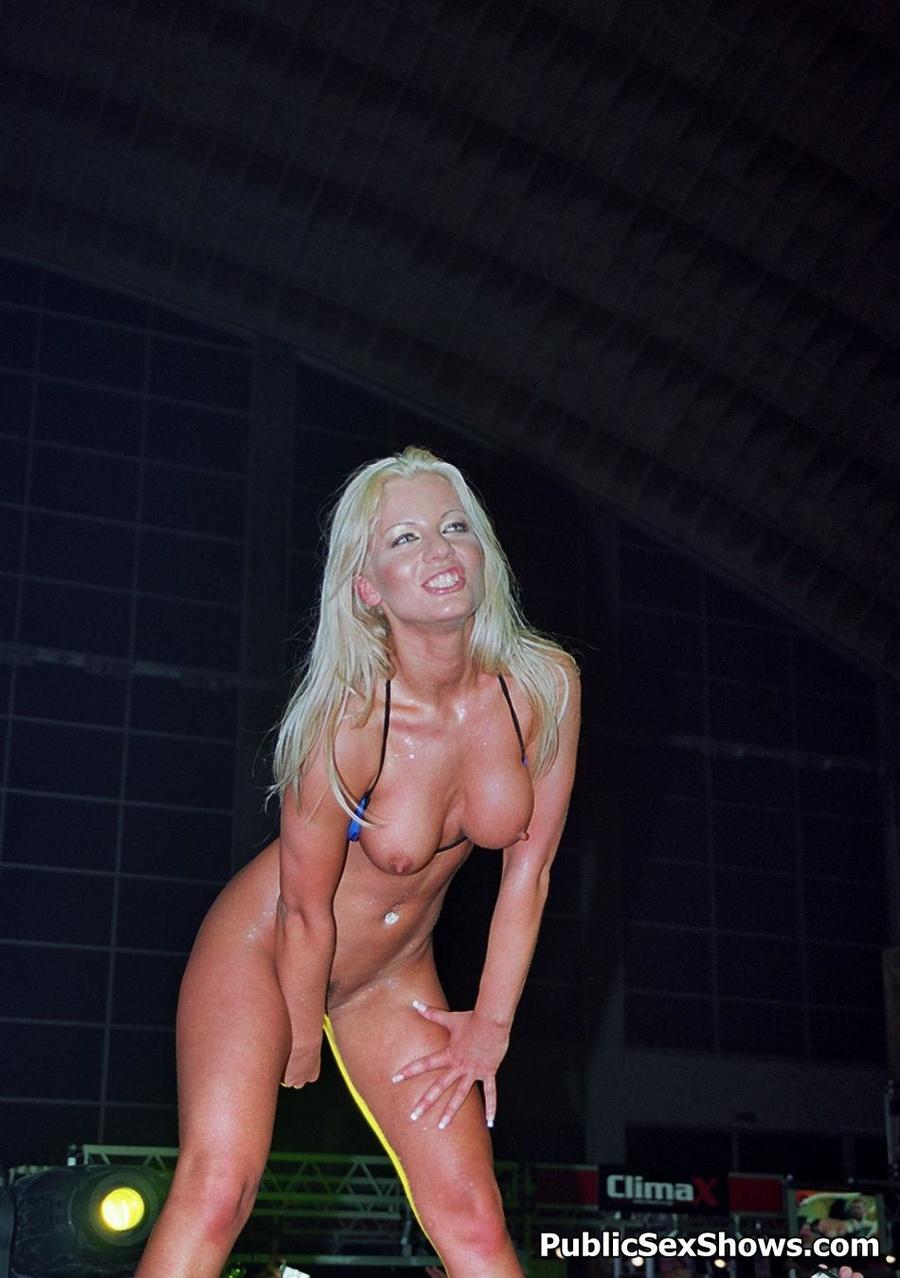 Hooligan girl Sexy naked