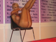 Totally nude blonde girl seductively showing sexy - XXXonXXX - Pic 7