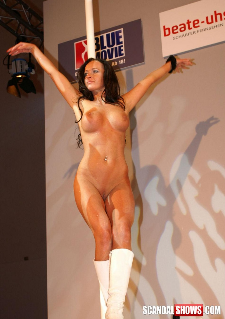 nude dance shows pictures