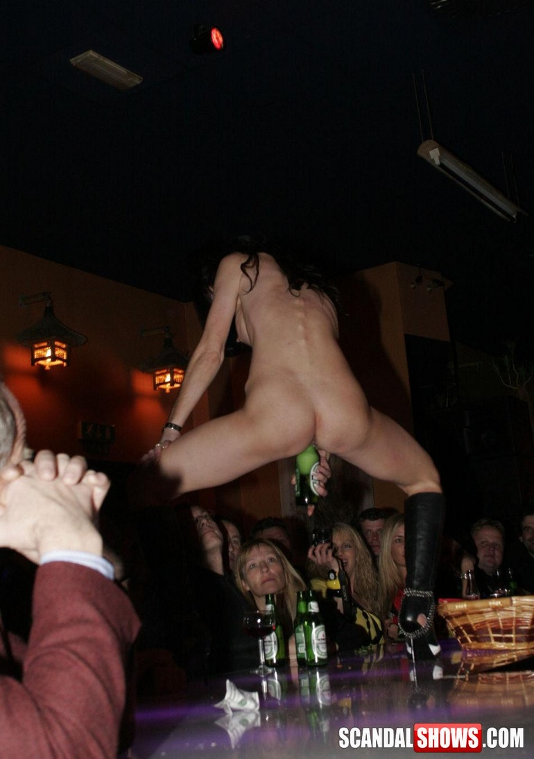 Naked girls eating each otherr out