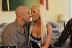 Busty Blonde Wife Fucks a Strange Man - XXX Dessert - Picture 4