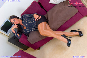 Busty office stunner in tan stockings pl - XXX Dessert - Picture 4