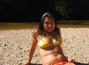 Indian hairy pussy milf posing in her sexy bikini on the beach. - XXXonXXX - Pic 14