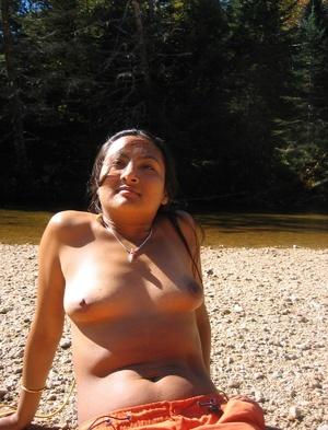 Indian hairy pussy milf posing in her sexy bikini on the beach. - XXXonXXX - Pic 15