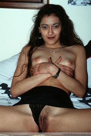 Hairy pussy indian bimbo sedcutively posing all over the house. - XXXonXXX - Pic 5