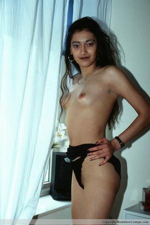 Hairy pussy indian bimbo sedcutively posing all over the house. - XXXonXXX - Pic 6