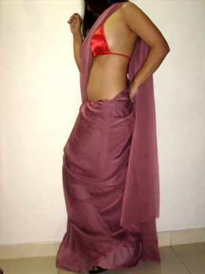 Gorgeous indian babe in sexy red bra teasingly dancing on a cam. - XXXonXXX - Pic 3