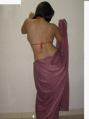 Gorgeous indian babe in sexy red bra teasingly dancing on a cam. - XXXonXXX - Pic 6