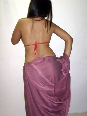 Gorgeous indian babe in sexy red bra teasingly dancing on a cam. - XXXonXXX - Pic 7