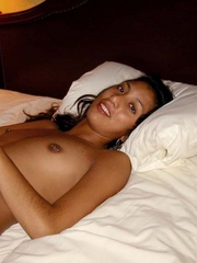 Perfect body nude indian beauty showing her pink - XXXonXXX - Pic 1