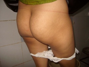 Homemade pics of chubby indidan chick taking off her panties and peeing. - XXXonXXX - Pic 1