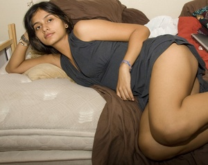 Perky tits indian chick slowly getting naked while in private. - XXXonXXX - Pic 2