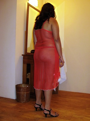 Shaved pussy indian plumper slips out her sexy pink lingerie. - XXXonXXX - Pic 6