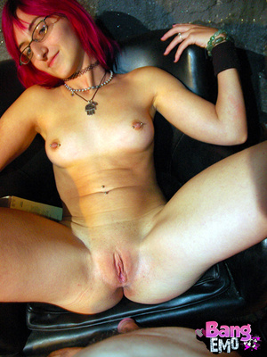 Naked emo slut with shaved pussy getting drilled hard. - XXXonXXX - Pic 5