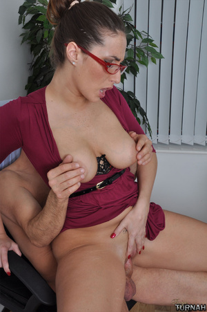Sexi secretary mil in black undies gets  - Picture 8
